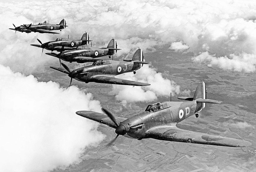 Hawker-Hurricane-MkI-RAF-73Sqn-in-formation-over-France-April-1940-01